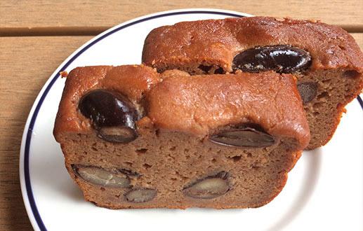 酒粕と紫花豆の米粉パウンドケーキ